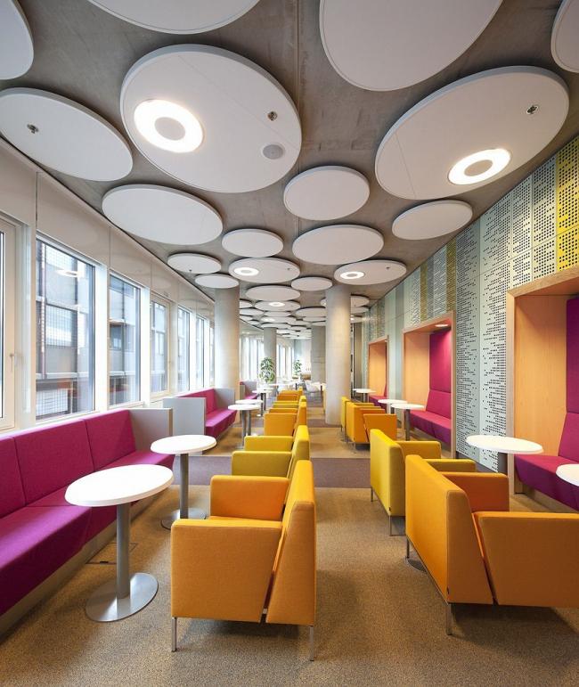 Здание Агентства по образованию и Налогового управления Нидерландов в Гронингене © Ronald Tillema