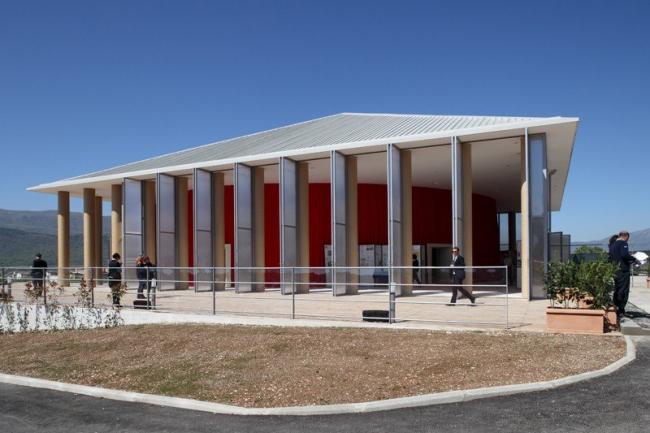 Бумажный концертный зал в Аквиле © Shigeru Ban Architects