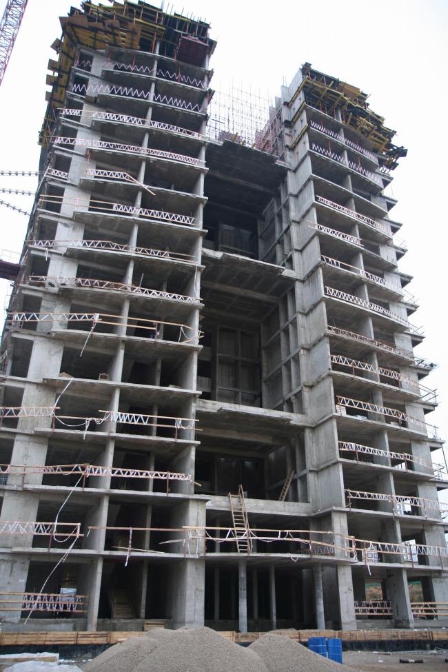 Янтарный город. Фотография в процессе строительства. 10.2006