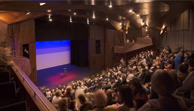 Театр «Лирик» © Dennis Gilbert