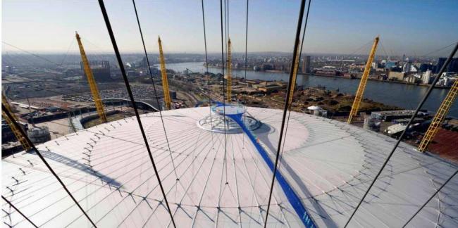 Мостик Skywalk над куполом О2 © RSHP