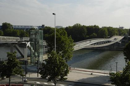 Дитмар Файхтингер. Пешеходный мост Симоны де Бовуар в Париже. Фото © Le Moniteur