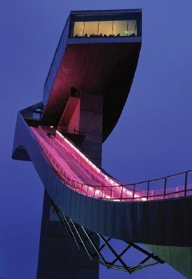 горнолыжный трамплин в Инсбруке, Австрия, Заха Хадид (Лондон)