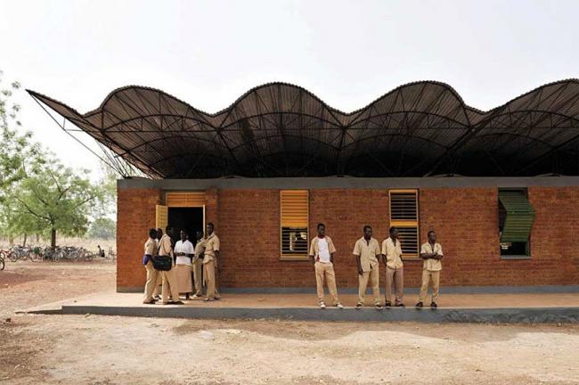 Средняя школа в Дано, Буркина-Фасо