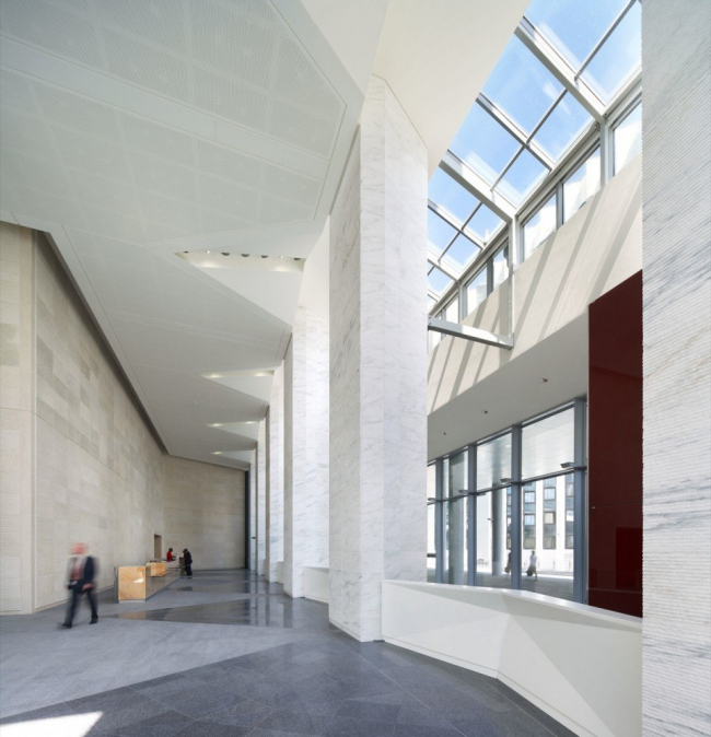 Башня FIRST - реконструкция © Hufton + Crow