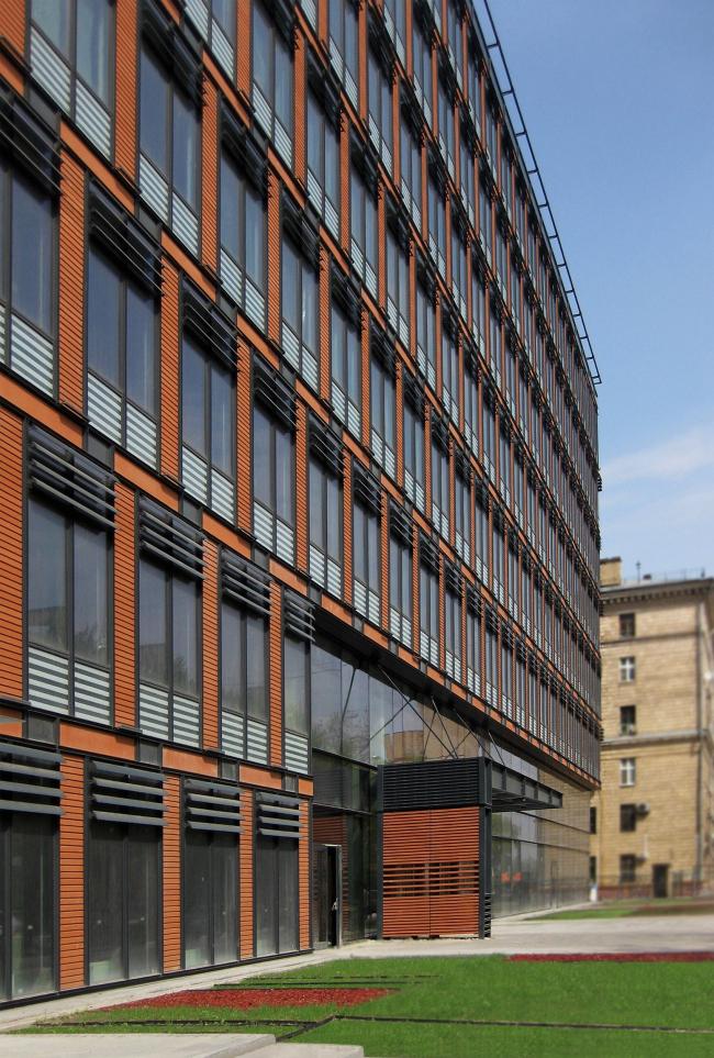 Бизнес-центр «Marr Plaza». Вид с ул. Сергея Макеева. Реализация, 2008 © Архитектурная мастерская «Группа АБВ»