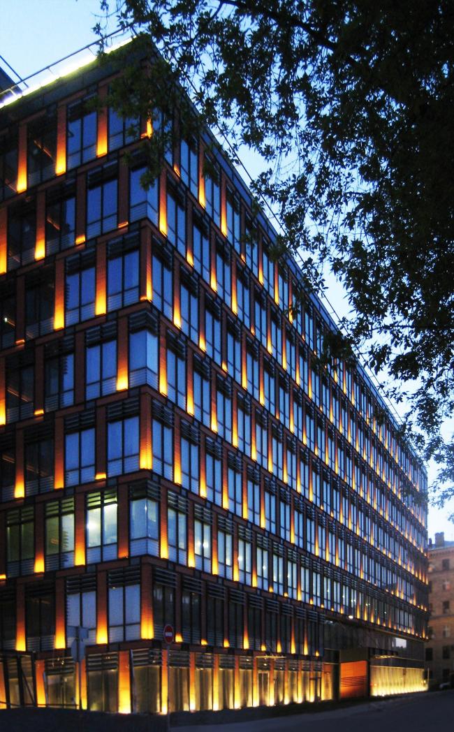 Бизнес-центр «Marr Plaza». Вид ночью. Реализация, 2008 © Архитектурная мастерская «Группа АБВ»