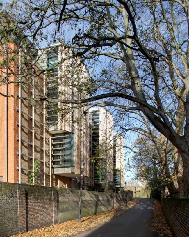 Новое здание гербария и библиотечное крыло ботанического сада Кью. Фото © Simon Feneley