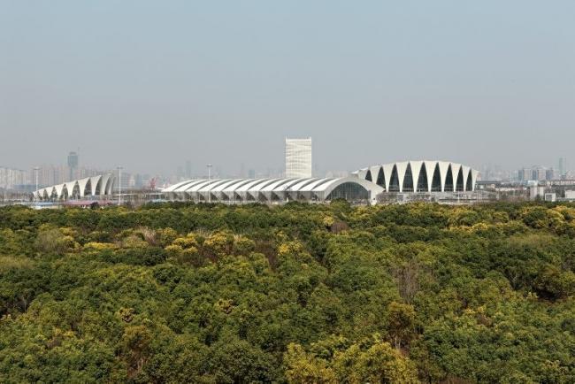 Шанхайский восточный спортивный центр © Marcus Bredt