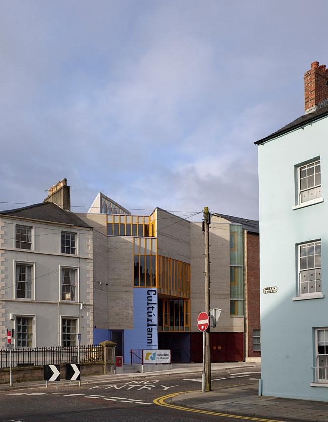 Центр ирландского языка, искусства и культуры An Gaelaras. Фото: http://www.bustler.net