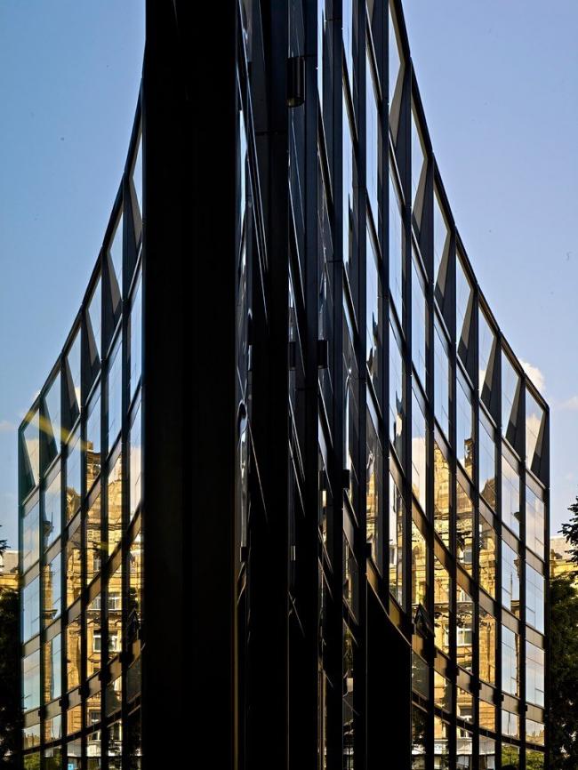 The Angel Building. Фото © Tim Soar