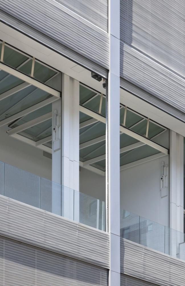 Жилой комплекс Metal Shutter Houses © Shigeru Ban Architects