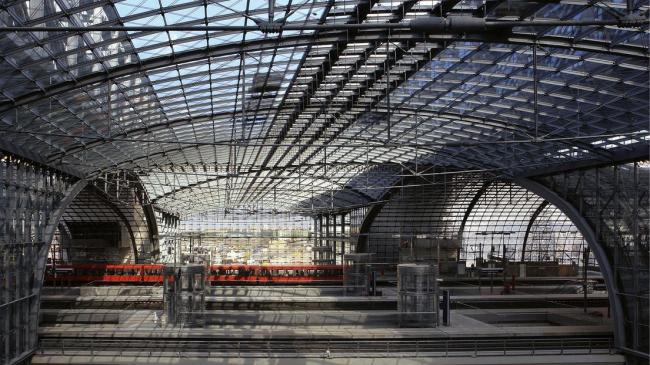 Новое здание станции Берлин-центральная. Изображение © gmp-architekten.de
