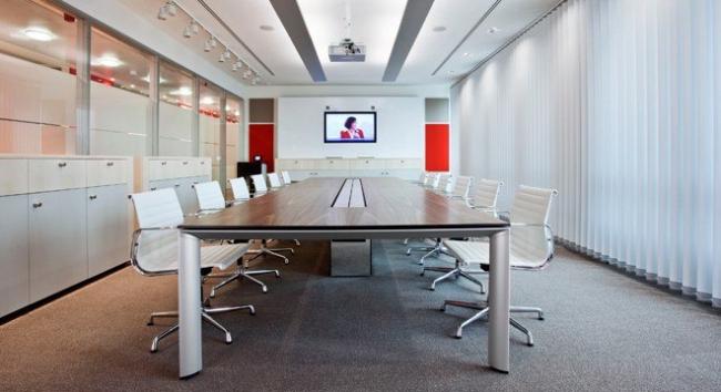Переговорная комната серии AL_Management.  Фотография предоставлена компанией BENE