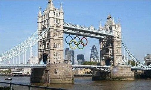 Тауэрский мост с олимпийскими кольцами. Вариант решения для 2012. Изображение с сайта bdonline.co.uk