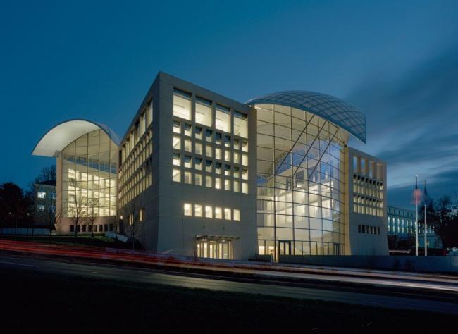 Штаб-квартира Американского Института мира © Timothy Hursley