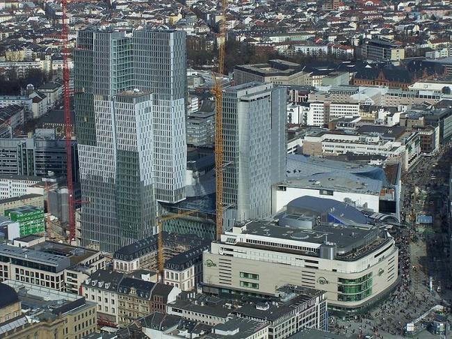 Башни комплекса PalaisQuartier. Фото: Donald24 via Wikimedia Commons. Фото находится в общественном доступе