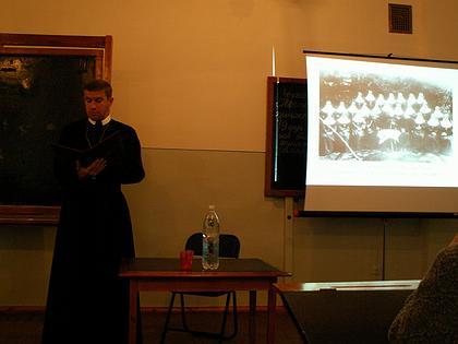 Даниил Сикора (Украина, г.Львов) выступает с докладом. Историко-археографическая секция