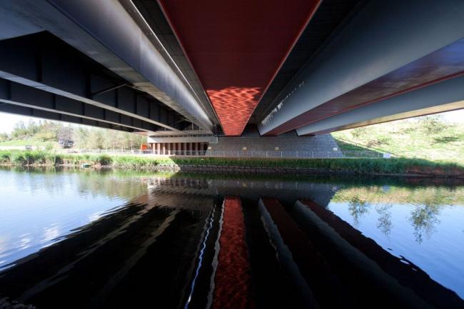 Центральный мост Олимпийского парка в процессе строительства © ODA