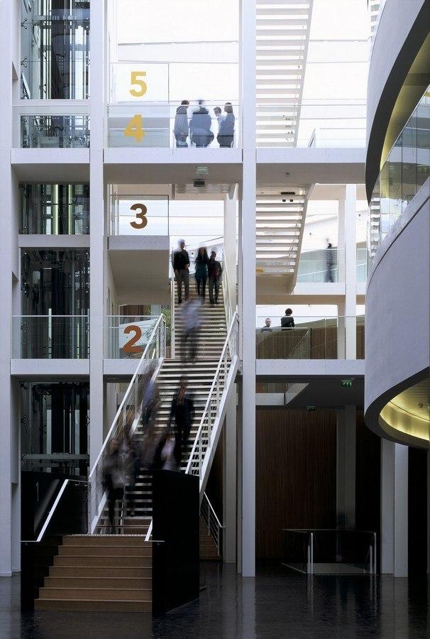 Бизнес-школа Новансия © Georges Fessy