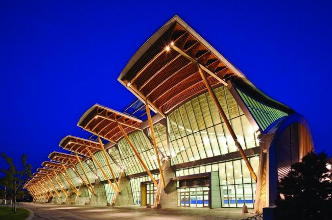 Конькобежный стадион Олимпийских игр в Ванкувере Richmond Olympic Oval. Фото предоставлено IAKS