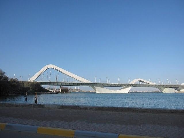 Мост Шейха Зайеда. Фото с сайта findingabudhabi.blogspot.com
