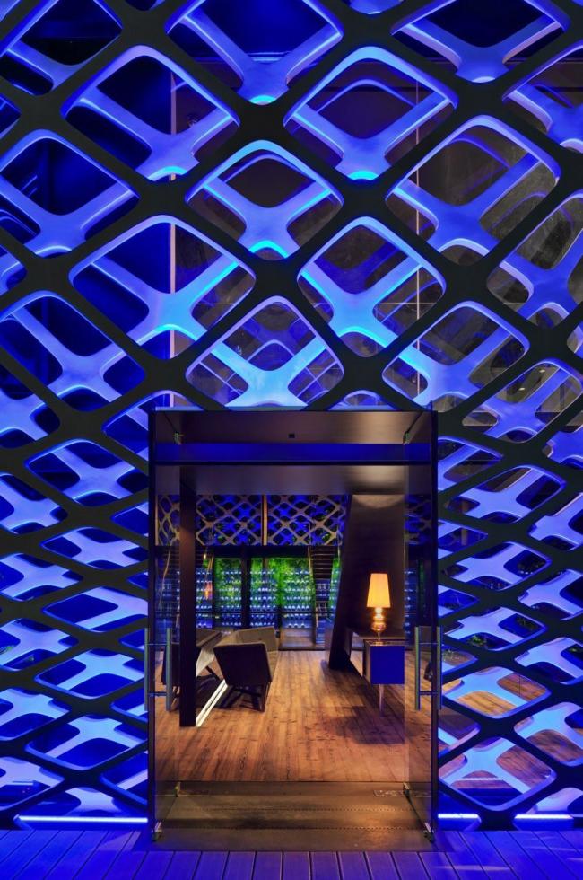 Японский ресторан «Торитори» в Мехико. Фото:  Paúl Rivera © Rojkind Arquitectos