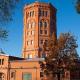 Жилье, офисы и музеи: как переделывают водонапорные башни в мире