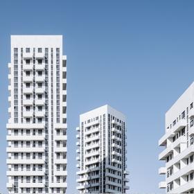 Белые башни